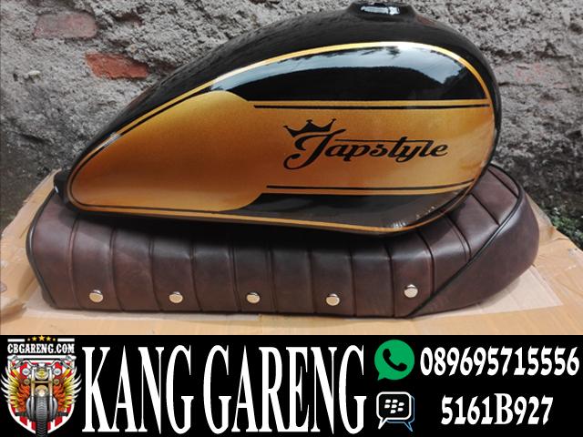 Tangki Japstyle Hitam Gold
